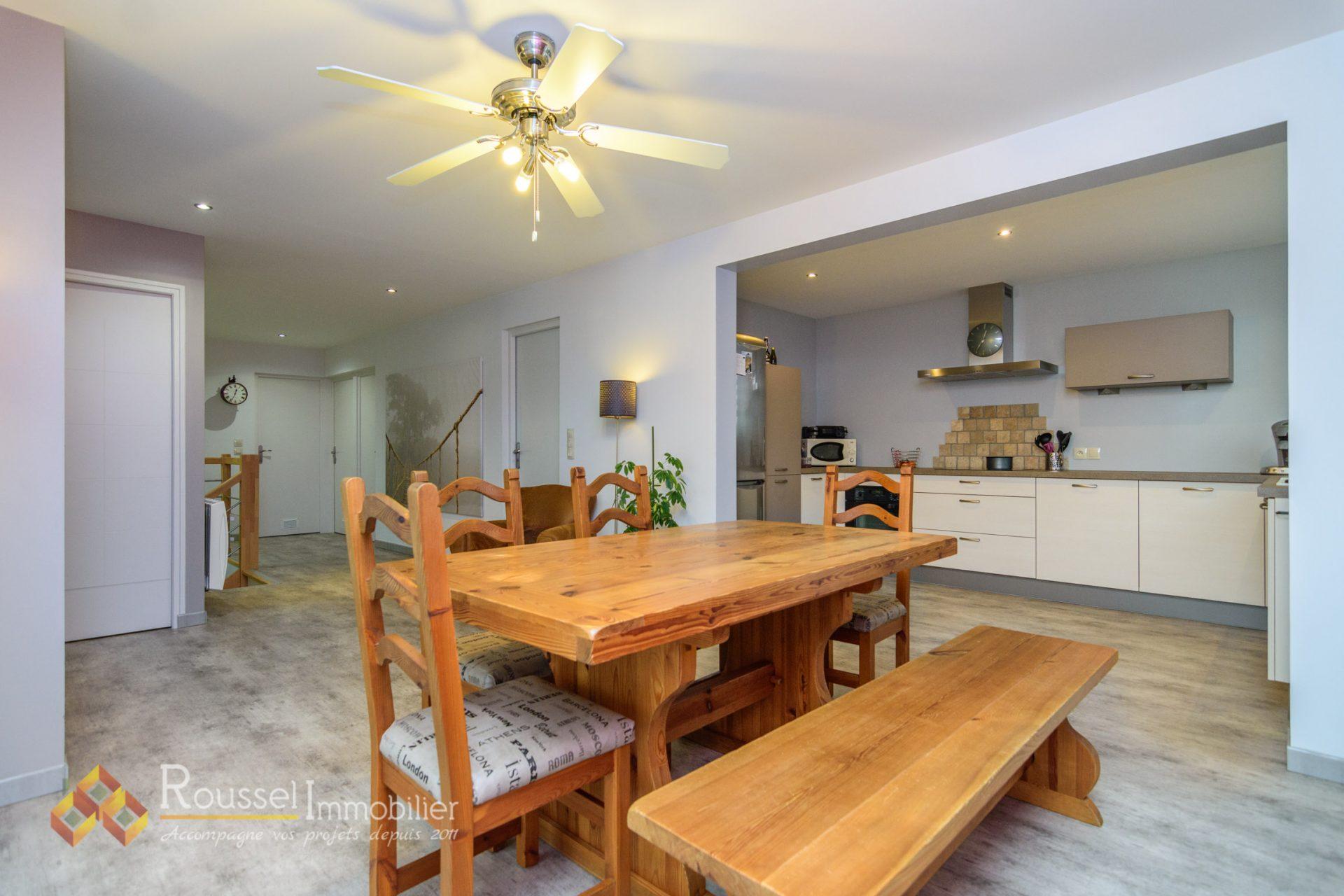Beaune quartier lycée Marey : maison rénovée : 4 chambres : double garage de 57 m2