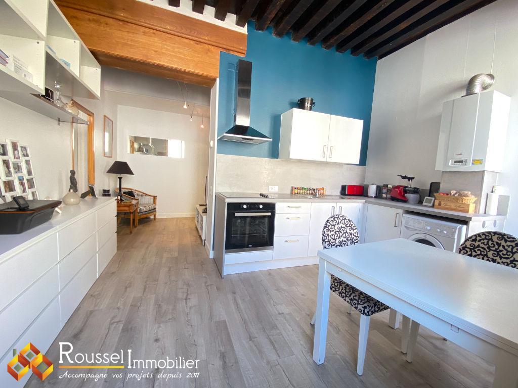 Intra muros : T2 rénové en 2019 : toiture de la copropriété rénovée en 2019 : pour un premier achat ou investisseur