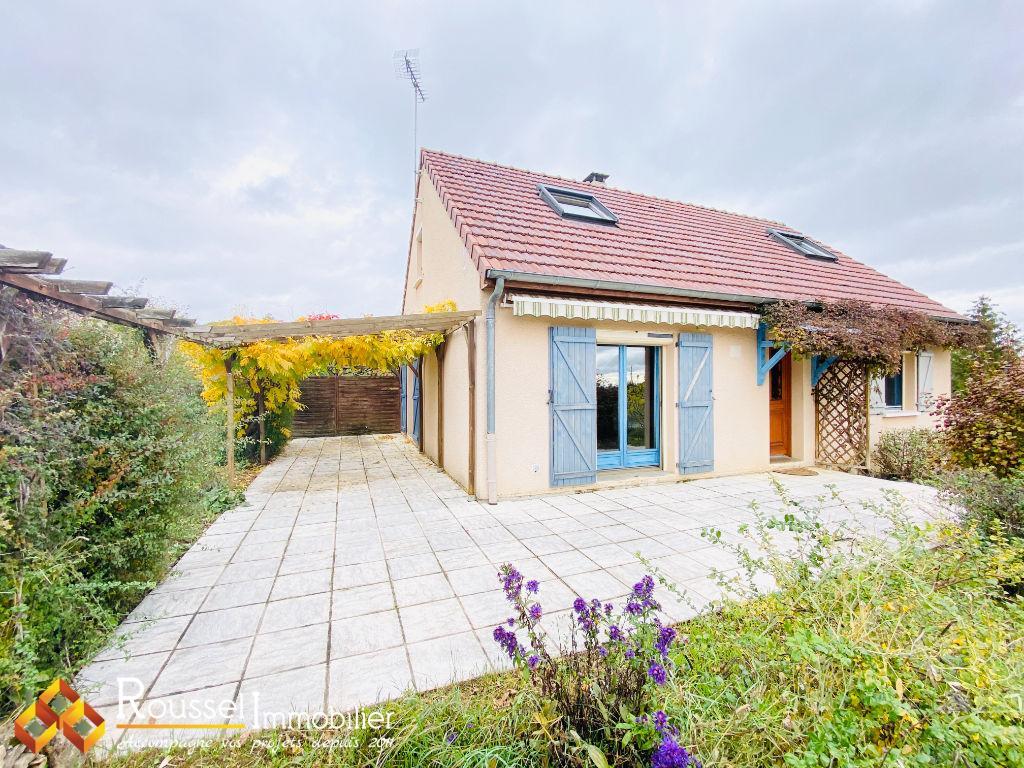 Axe Beaune / Nuits-Saint-Georges - au calme avec une belle vue sur les vignes -  lumineuse et confortable - 4 chambres - terrasse de 46 m2
